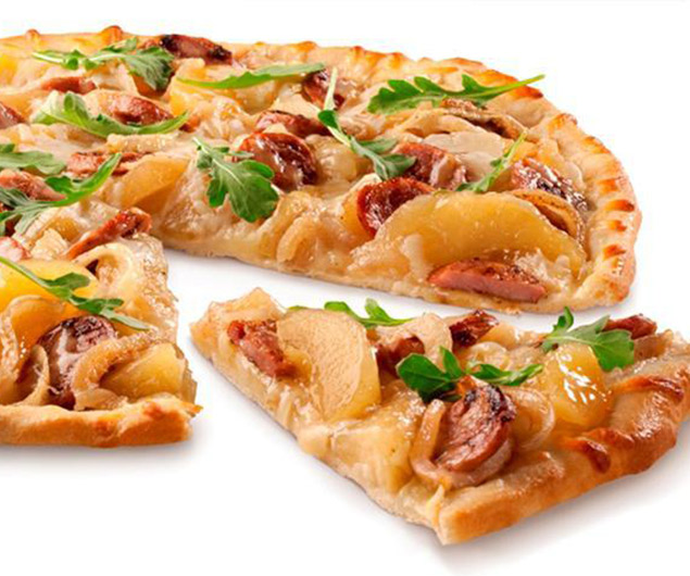 Sweet n Savory Chicken Sausage & Apple Pizza