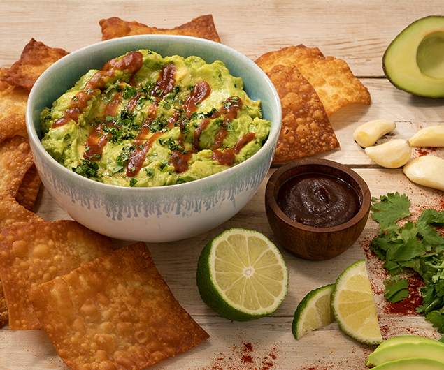 Sriracha Guacamole with Wonton Chips